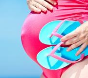 Maillot de bain grossesse : on choisit quoi pour cet été ?
