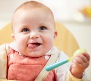Laisser manger bébé à la cuillère? Vraiment??